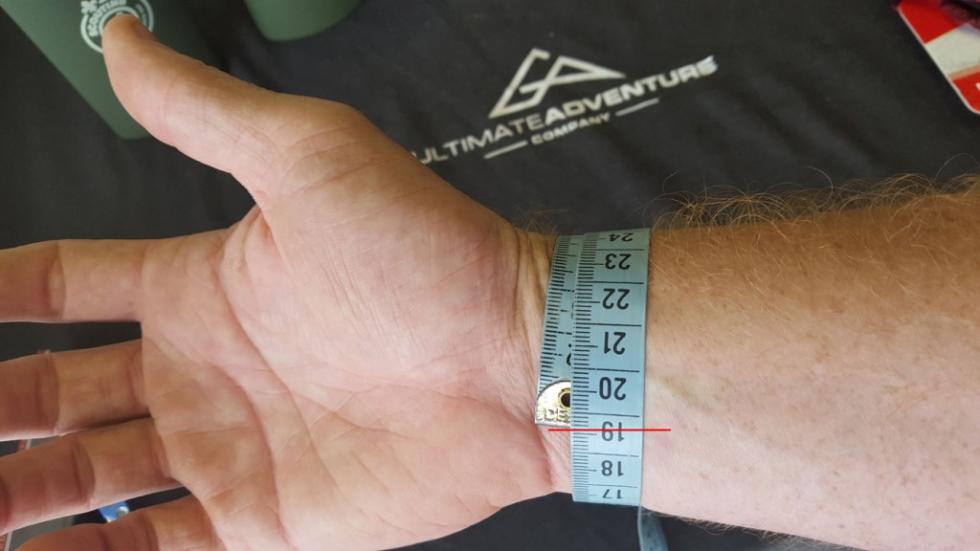 How To Measure Your Wrist for a Paracord Bracelet - Step 2