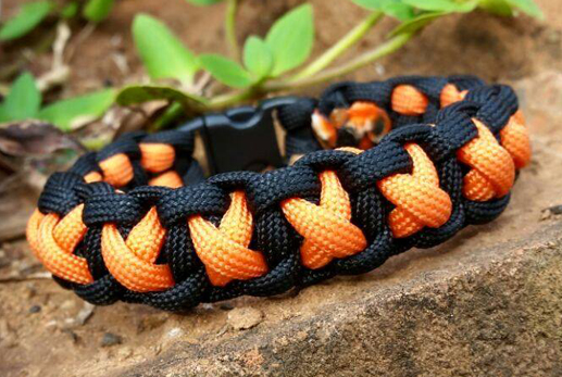 Cross-Thread Paracord Survival Bracelet | Ultimate Adventure Company